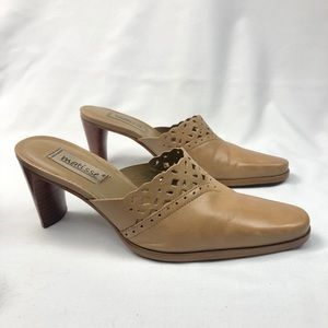 Matisse Tan Cut Out Leather Mules/Clogs Size7M